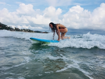 Surfing in Mirissa - Photo by Andrius - October 2018